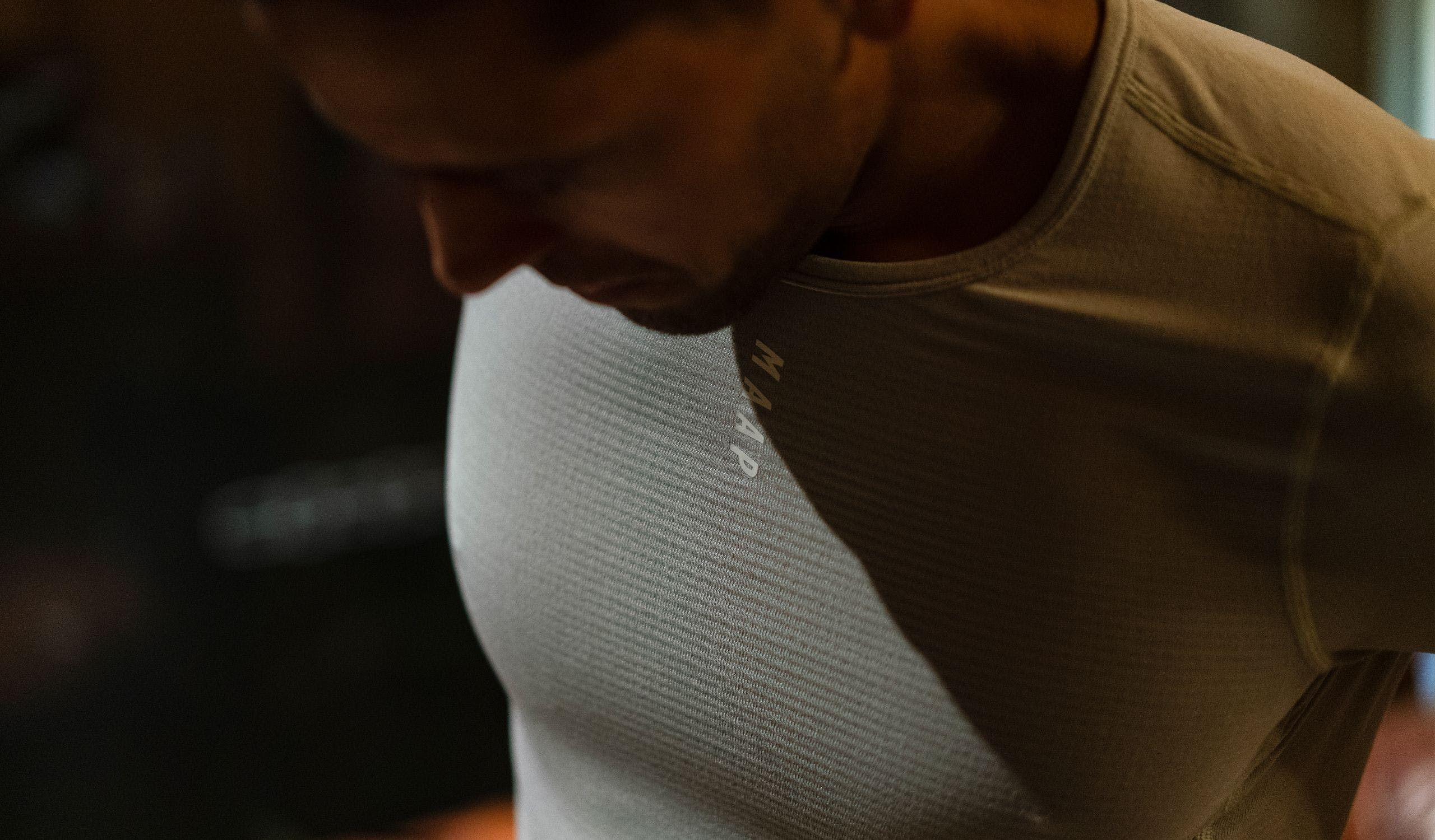 THERMAL BASE LAYER TEE LIFESTYLE 01